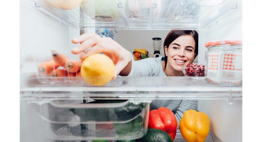 ۳۰ مادهی غذایی که هرگز نباید در یخچال فریزر نگهداری کرد